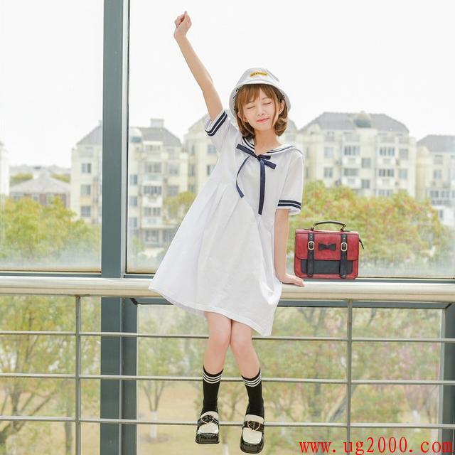 梦之城娱乐手机客户端下载_情人节礼物学院风连衣裙,18岁的小船不会翻