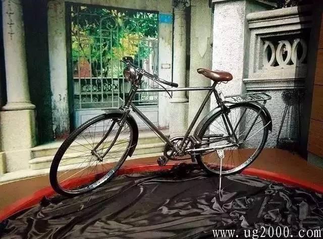给辆劳斯莱斯也不换的自行车长啥样?太牛气了吧