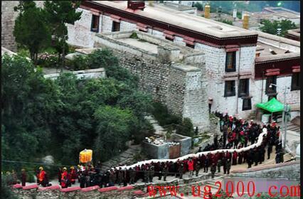 藏族重要节日之一:喝酸奶子的节日